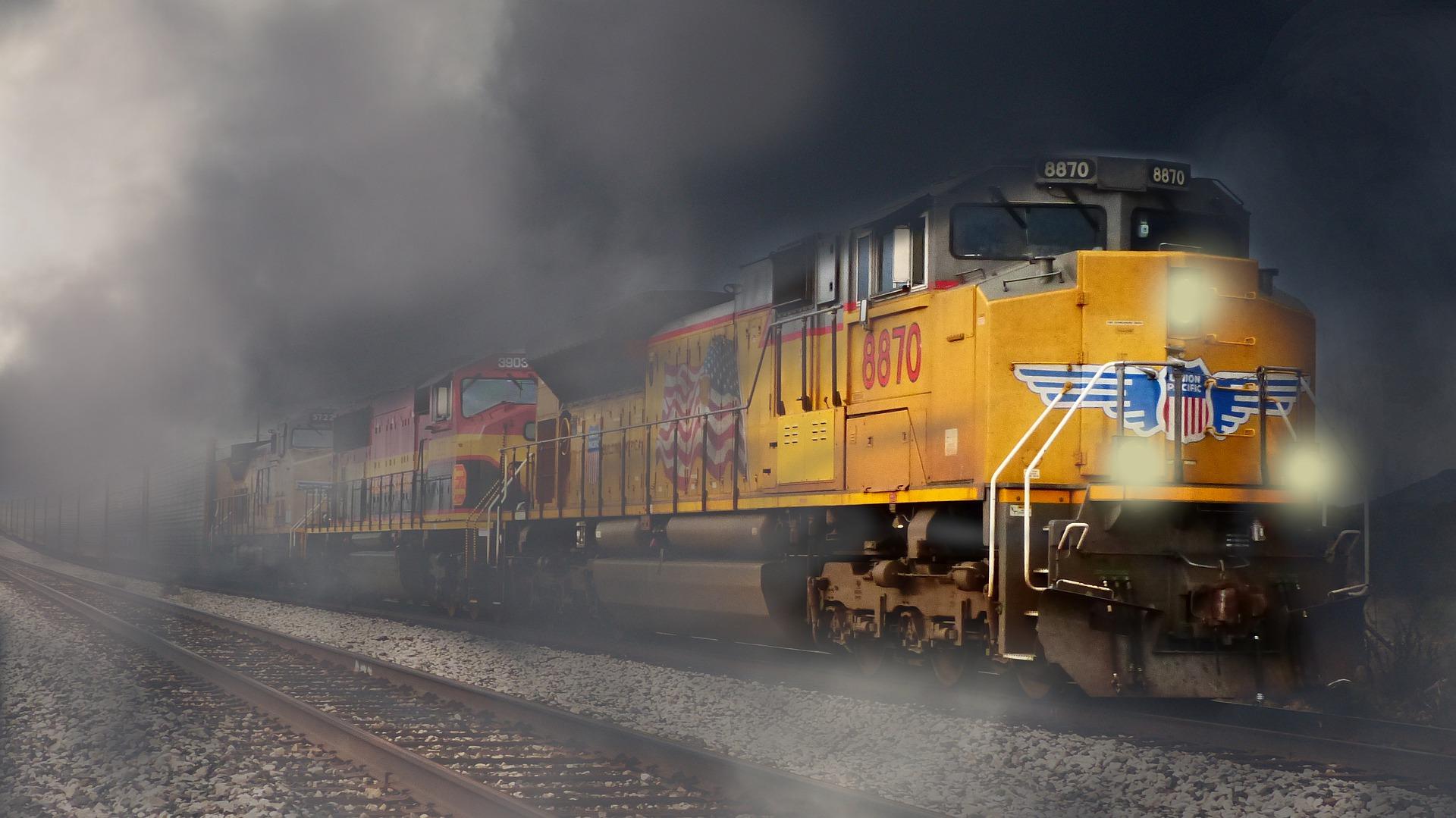 Train 5723095 1920