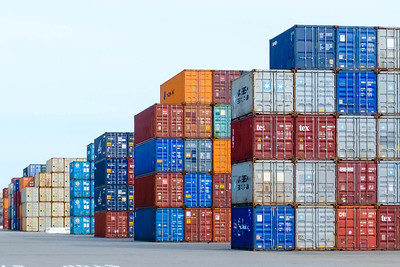 Imports up at Port of Oakland in August