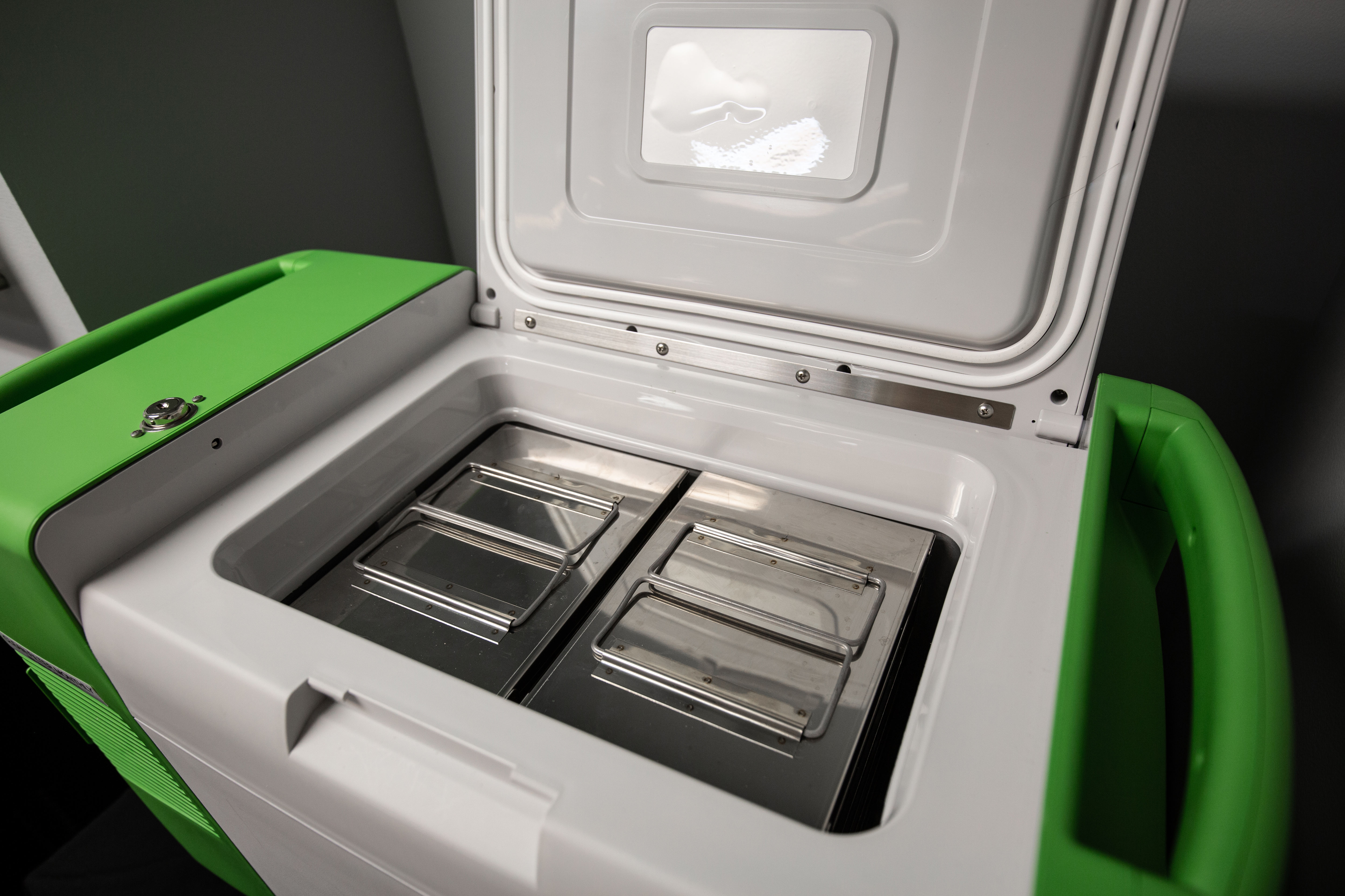 UPS and Stirling Ultracold partner to deliver ULT freezers for vaccine storage