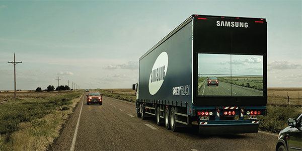 Samsung Projects Driver S View On Back Of Truck 2015 08 11 Dc Velocity