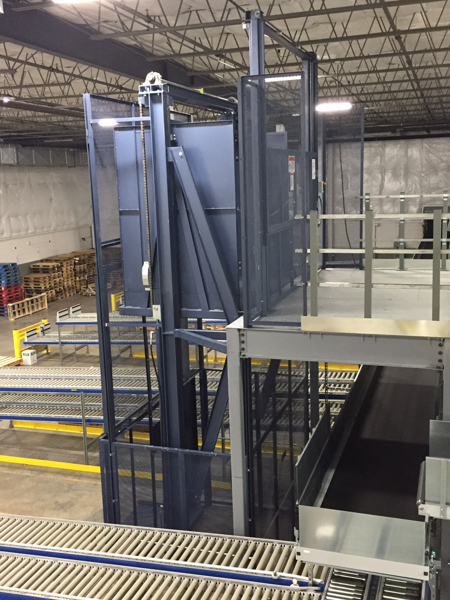Vertical reciprocating conveyor - side view