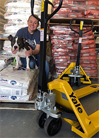 Yale pallet truck at Pet Food Pantry of Eastern North Carolina
