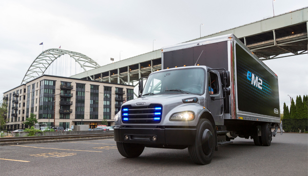 Penske Reading Pa >> Daimler delivers battery-powered Freightliner truck to