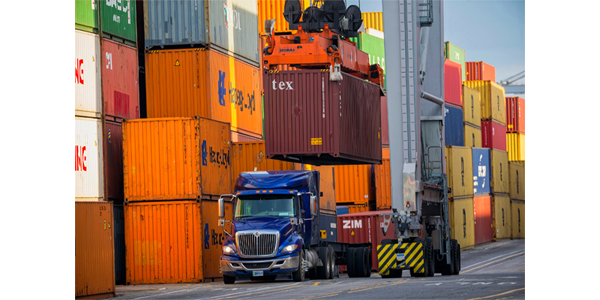 Port of Savannah notches record container volume for 2018
