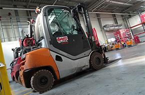 Lift truck in warehouse