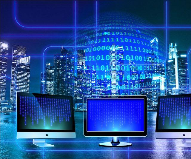 Data-monitor-1307227_1920