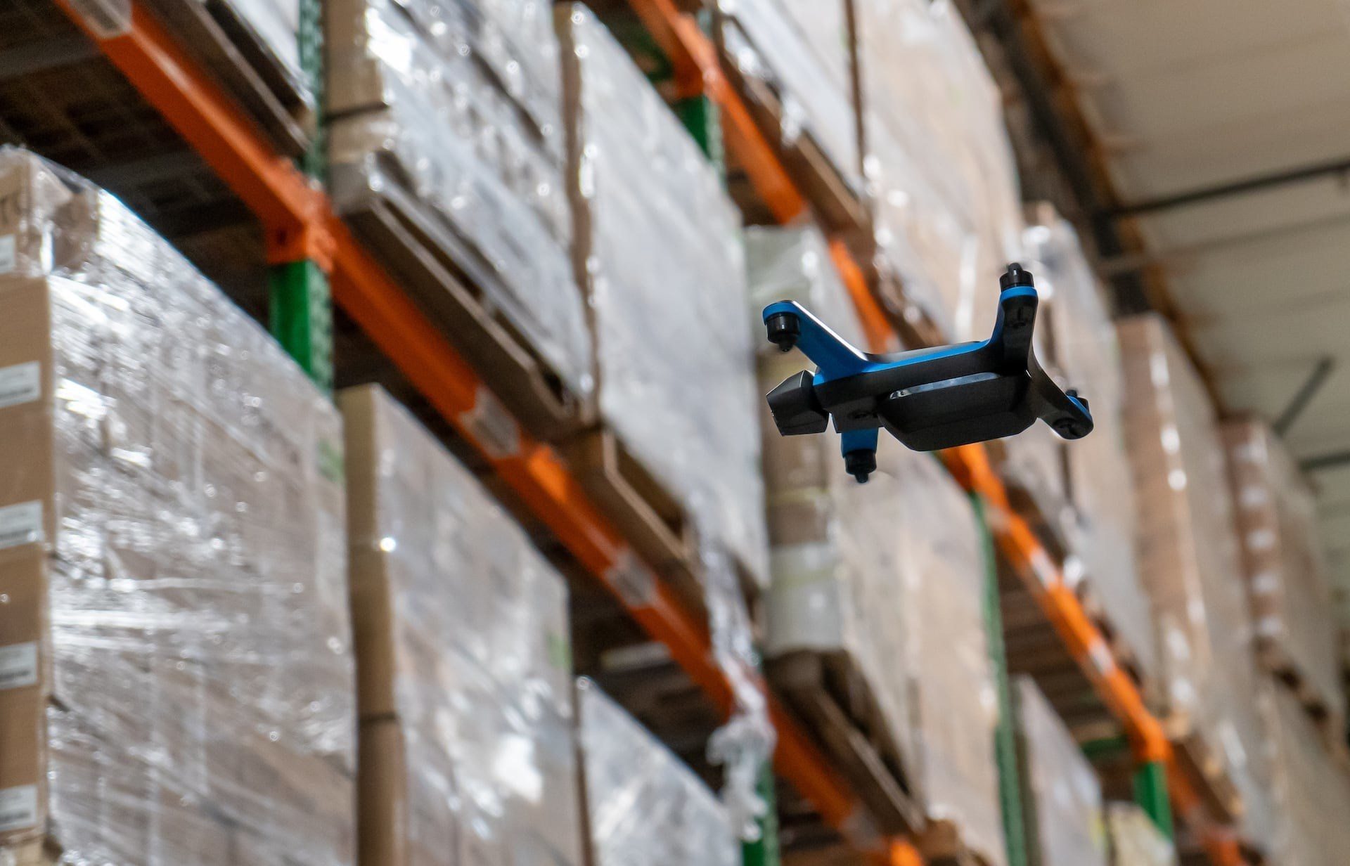 Ware drone flying warehouse