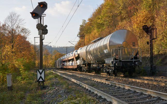train tracks generic