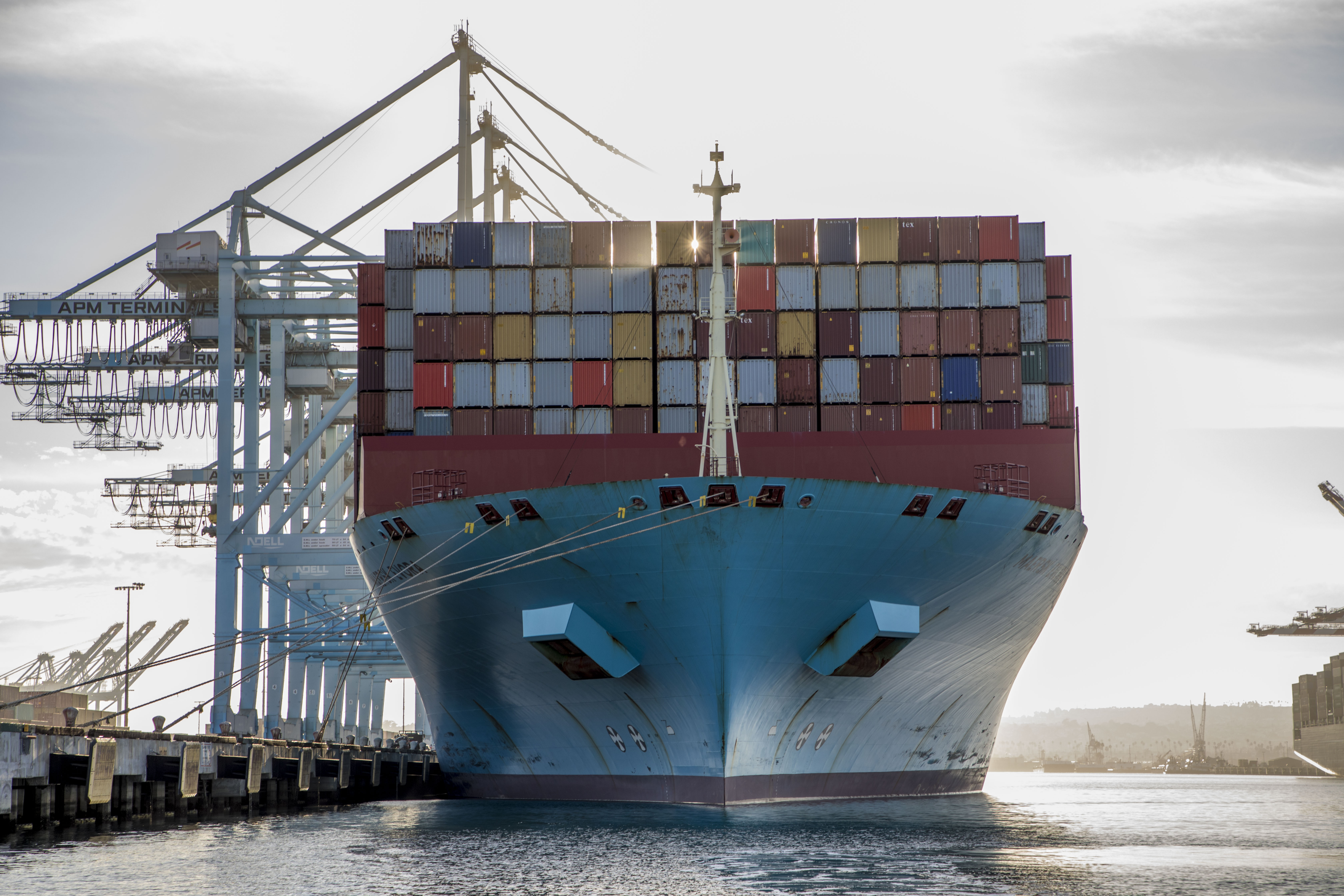 Port of la copy of 1171017 maersk evora selects 09