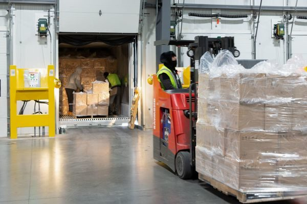 New temperature-controlled LTL service helps shippers avoid fines from retailers.