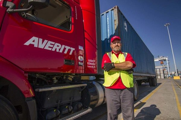 Averitt Honored With 'Outstanding Logistics Partner Award' For Services At Port of Mobile