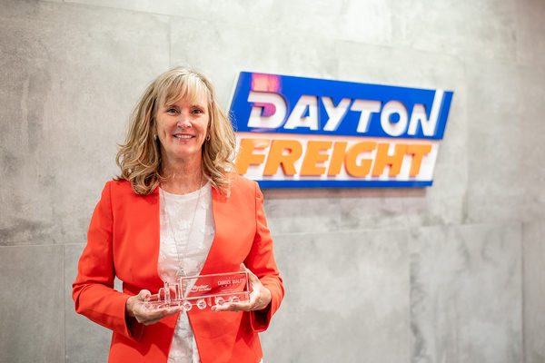 RYDER NAMES DAYTON FREIGHT THE LTL U.S. REGIONAL CARRIER OF THE YEAR
