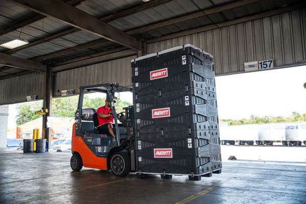 Averitt's Smart Crate Fuses Reusability With Technology For More Efficient Shipping