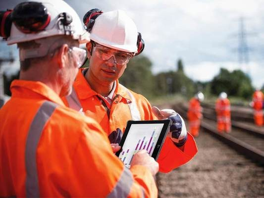 Durabook R11 Fully Rugged Tablet Is Designed to Enhance Field Workers' Maximum Efficiency