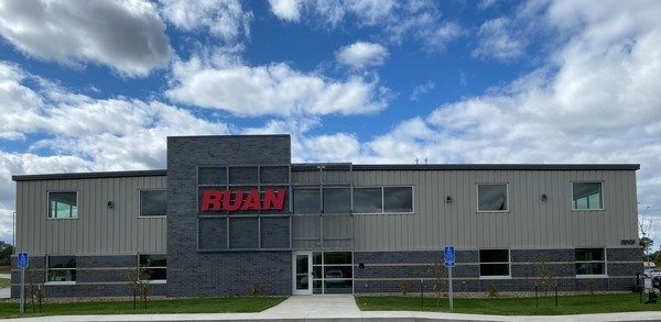 Ruan Holds Ribbon Cutting Ceremony at Operating Center